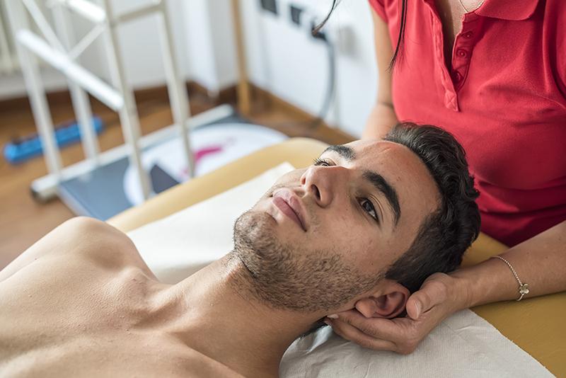 Royal Palm Chiropractic Treatments Reduce Chronic Headaches
